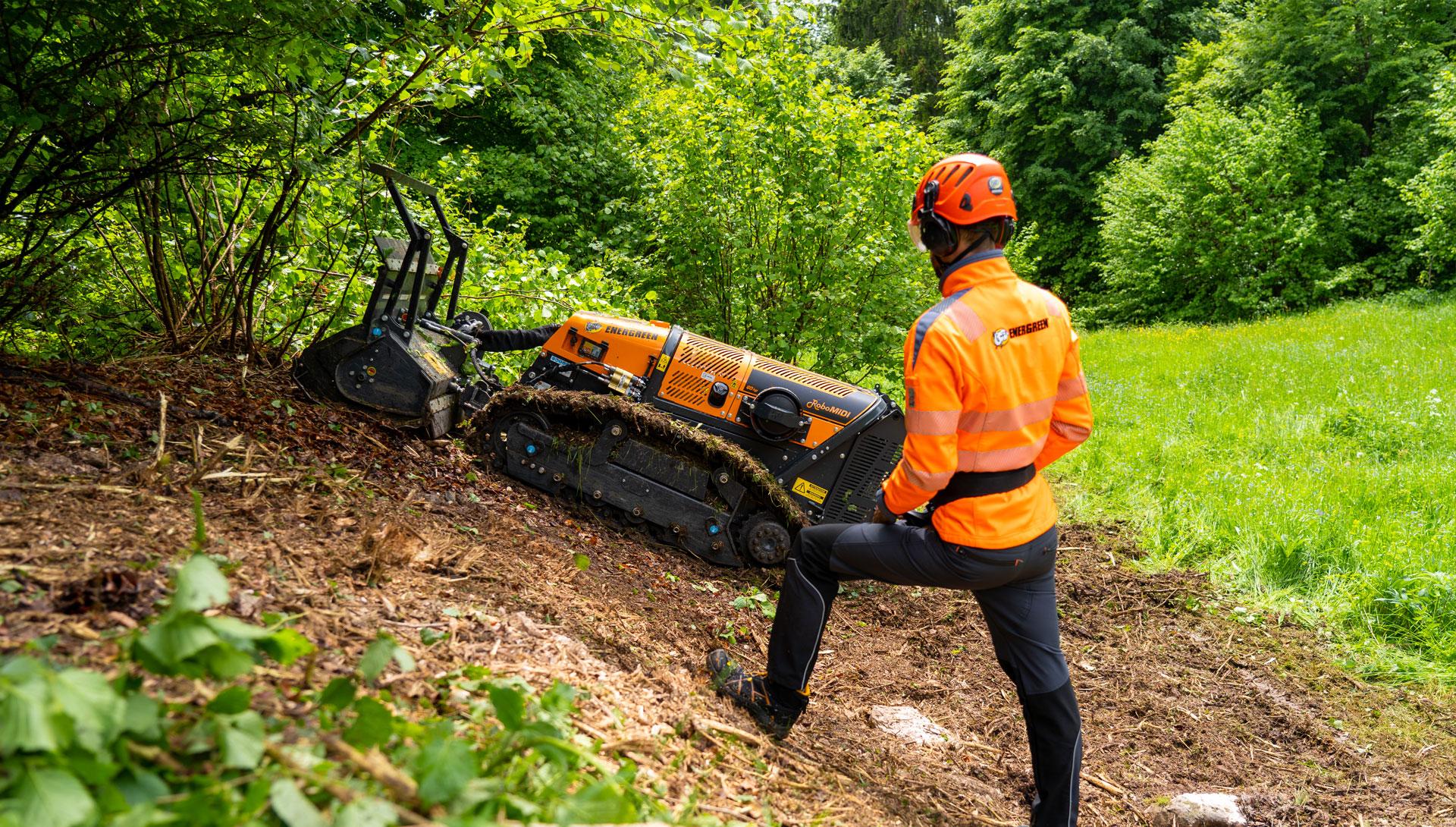 slide - robomidi - forestry head - forstmulcher - energreen germany - die technik fur die profis in der grunpflege